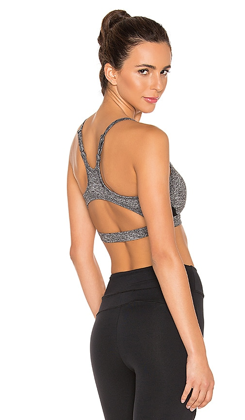 SOLOW Contort Sports Bra in Charcoal