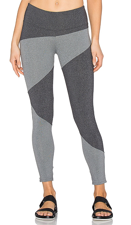 SOLOW Invert Capri Legging in Grey