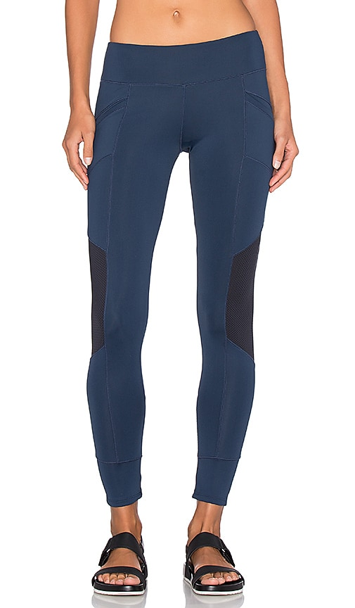 SOLOW Xeno Legging in Navy