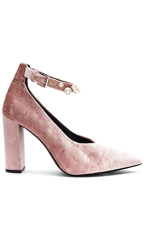 ISLA HEEL IN DUSTY ROSE VELVET PEARL