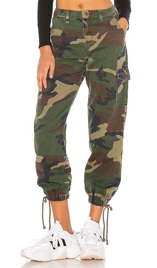 Kayla Camo Jogger Pant by Superdown