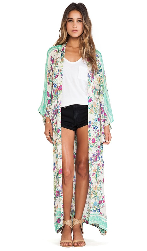 Discover kimonos at ASOS. Shop the range of floral, satin and silk kimonos available in short and long styles to wear during the day or for a night out.