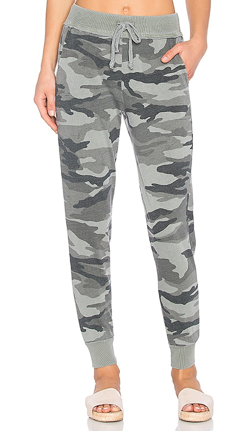 Splendid Camo Active Joggers in Army