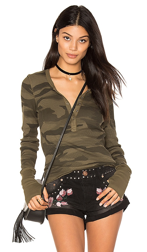 Splendid Camo Thermal Henley in Green