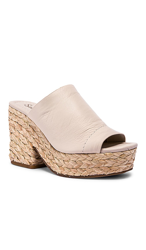 Theodore Sandal by Splendid