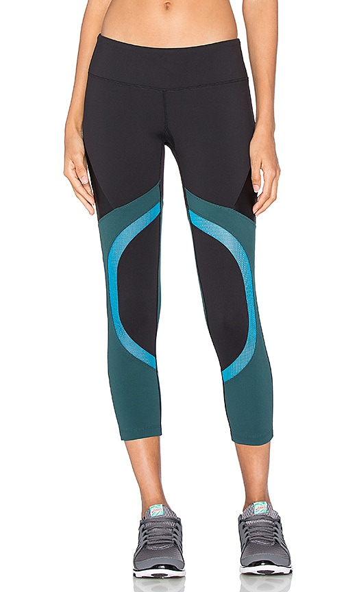 Splits59 Division Capri in Black
