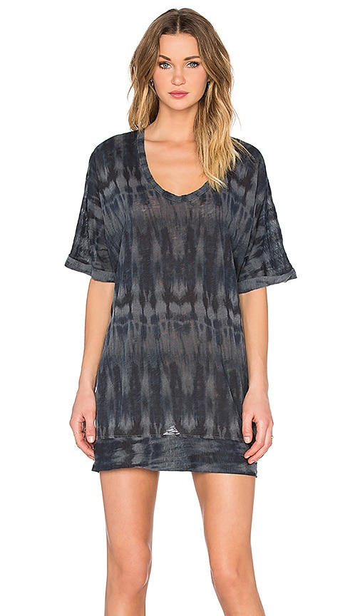 Stateside Tie Dye Print Scoop Neck Tee in Charcoal