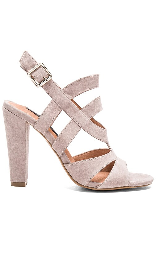 Cassndra Heel