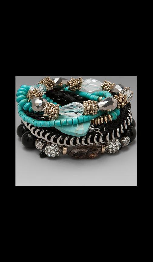 Vacant Heart Bracelet Set