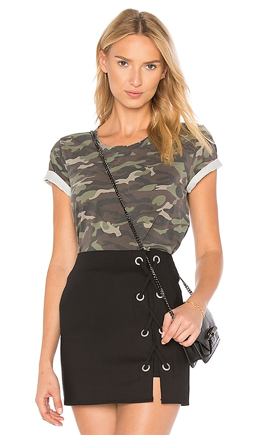 the hour Camo Tee in Green