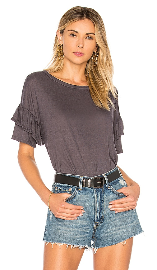 the hour Ruffle Sleeve T-Shirt in Charcoal