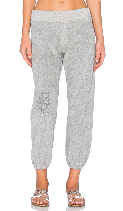TYLER JACOBS Alo Sweatpant in Gray