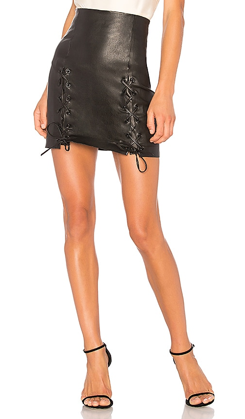 ThePerfext Leyla Skirt in Black