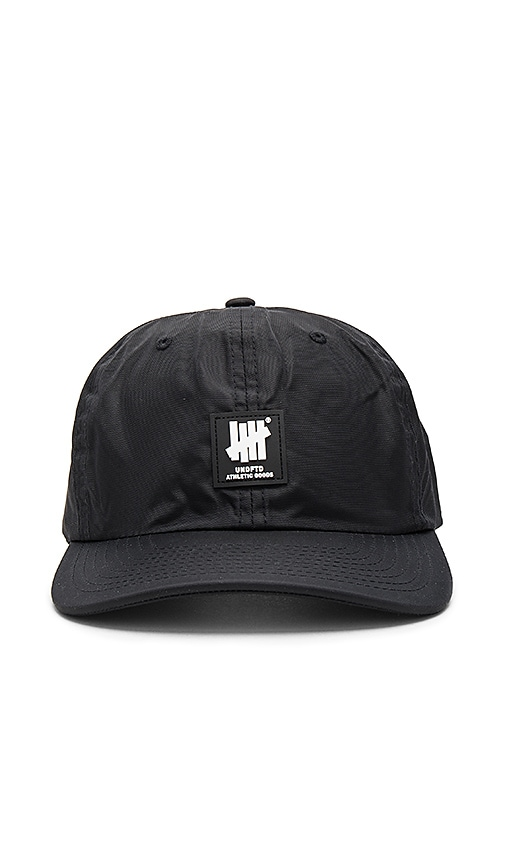 Undefeated Paddington Strapback in Black