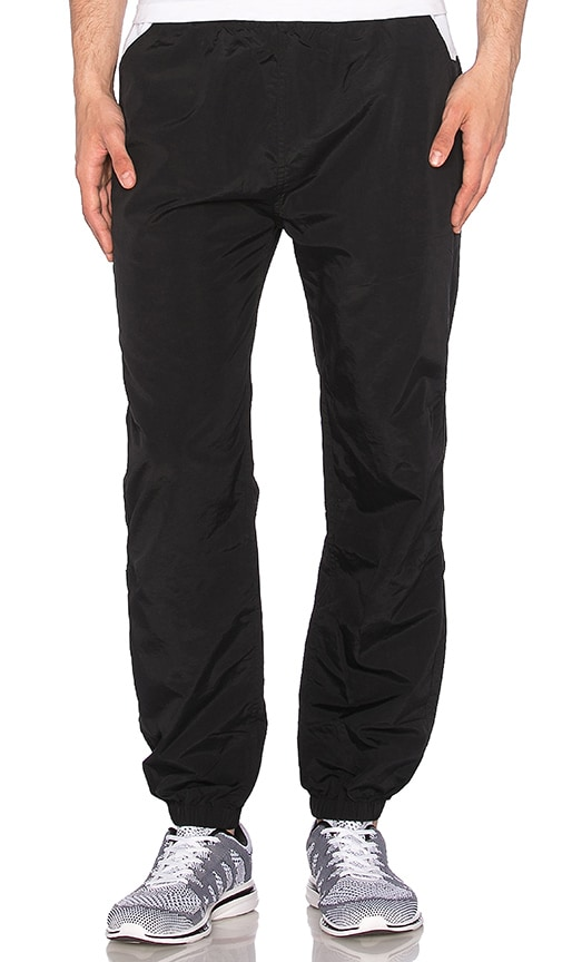 Undefeated Streak Warm Up Pant in Black