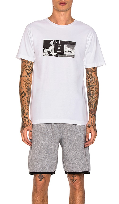 Undefeated 091102 Tee in White