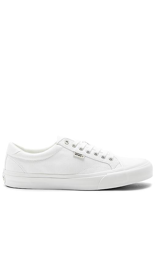 d4d2f2abfa4121 Vans Court in True White