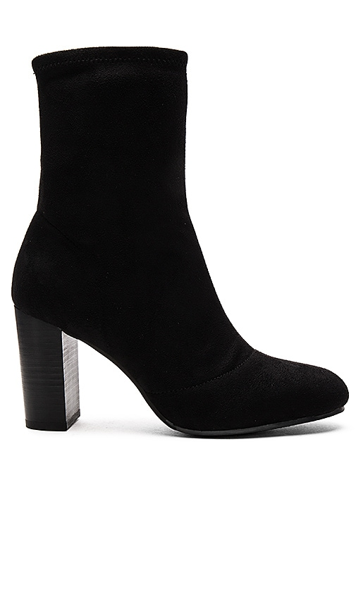 Vince Camuto Sendra Booties in Black