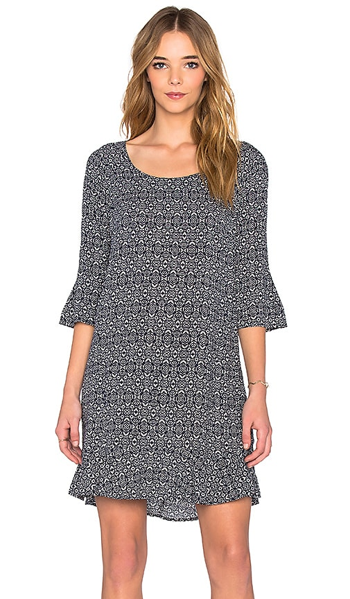 Velvet by Graham & Spencer Elida Printed Challis Short Sleeve Shift Dress in Navy