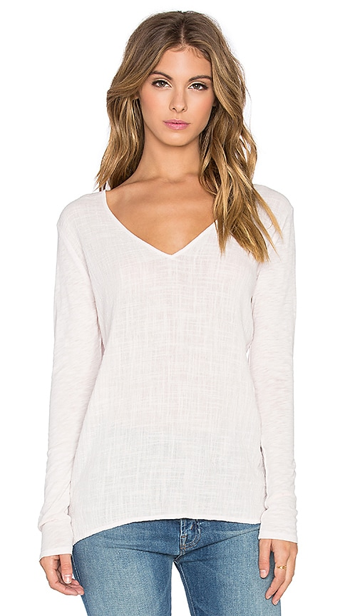 Velvet by Graham & Spencer Chanel Cotton Slub With Contrast Long Sleeve V Neck Top in Blush