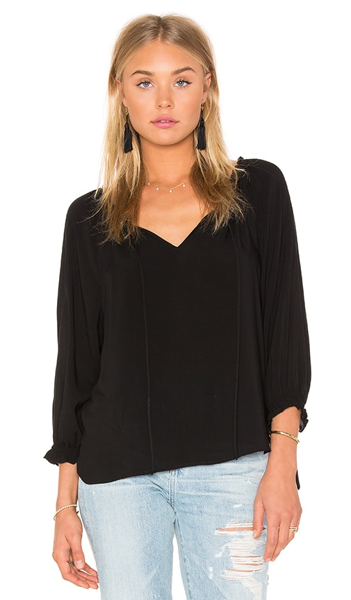Velvet by Graham & Spencer Kimberly Rayon Challis Top in Black