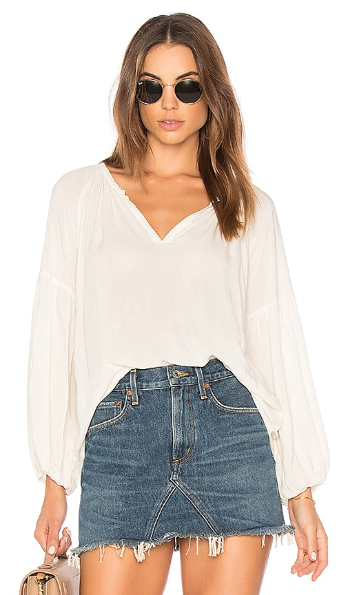 Velvet by Graham & Spencer Zion Top in White