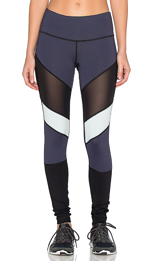 Vimmia Adagio Legging in Night & Ash