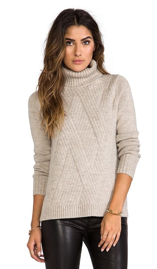 Travelling Rib Turtleneck