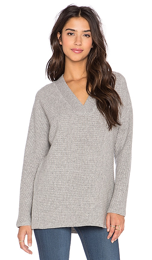 Vince Traveling Rib V Neck Sweater in Heather Steel