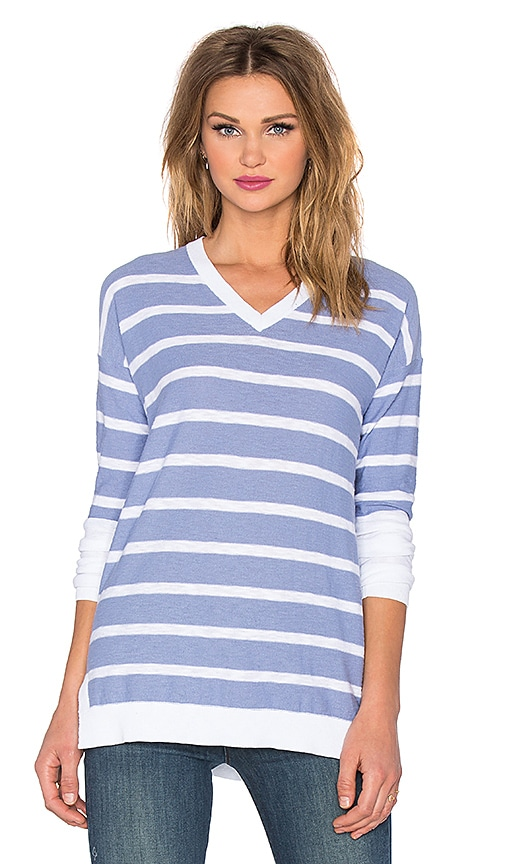 Vince Stripe Block Slim Fit V-Neck Sweater in Monaco & Optic White