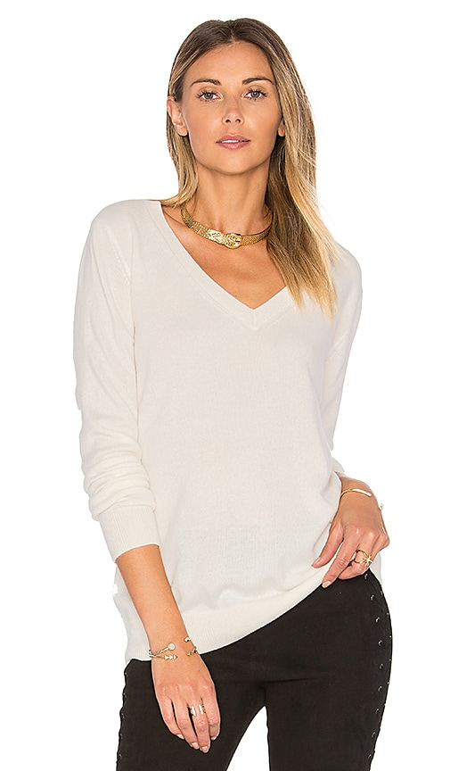 Vince Vee Sweater in White