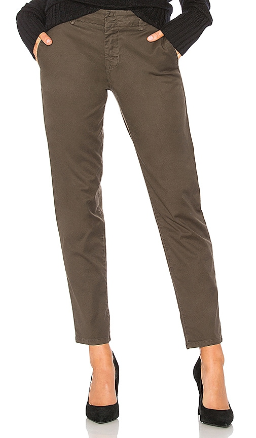 Vince Classic Chino Pant in Green