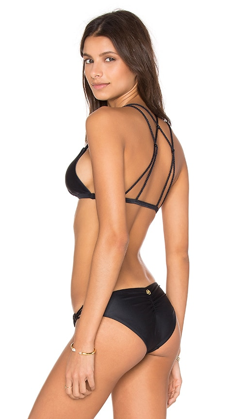 Vix Swimwear Le Braid Bikini Top in Black