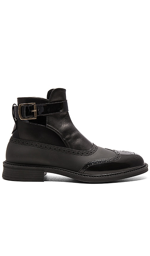 Vivienne Westwood Man Vivienne Westwood Jodhpur Brogue Boot in Black & Black