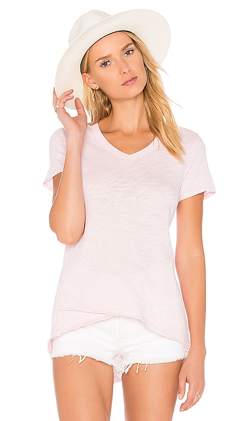 Wilt Shrunken V-Neck Mock Hem Tee in Pink