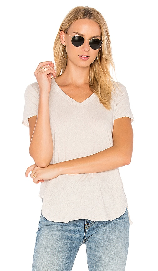 Wilt V-Neck Baby Slit Shirttail Tee in Gray