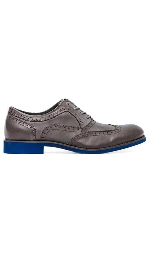 1883 Wing-Tip Brogue