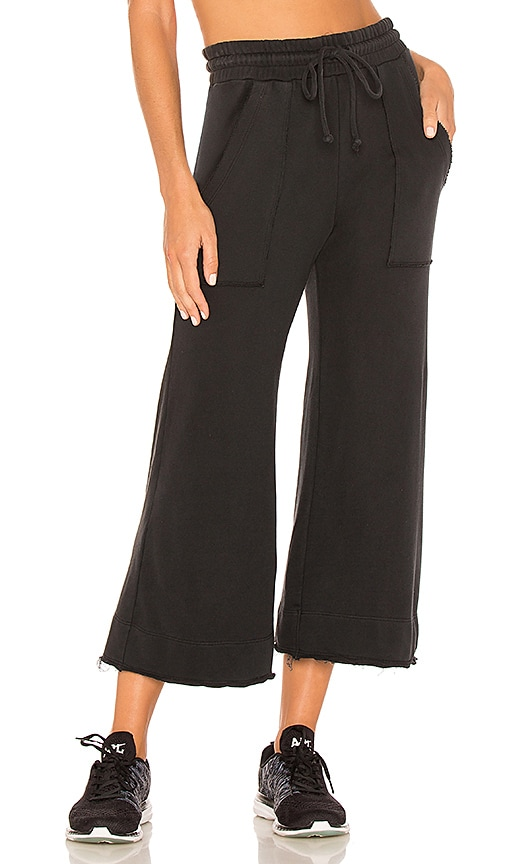 YEAR OF OURS Wide Leg Sweatpant in Black