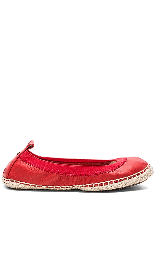 Yosi Samra Lara Flat in Engine Red