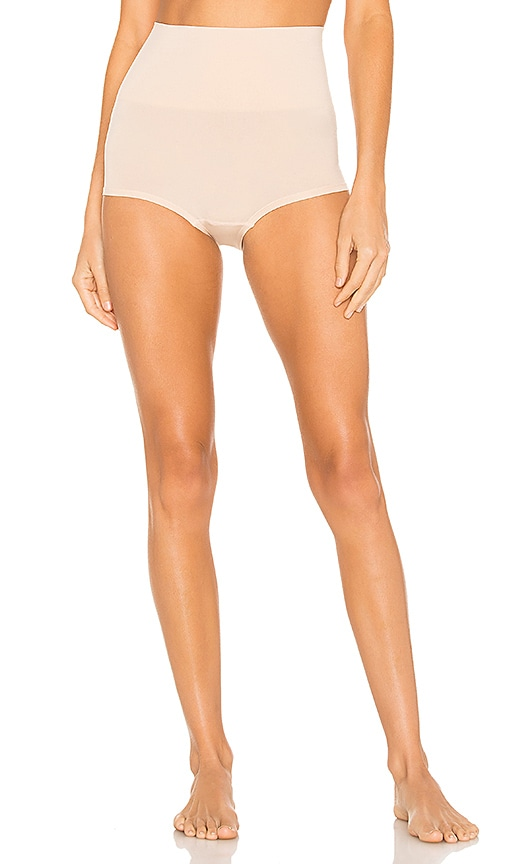 Ultralight Girl Short