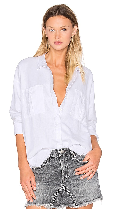 ZULU & ZEPHYR Vista Button Down Top in White