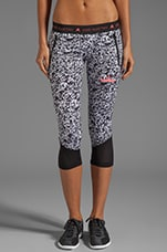 Run 3/4 Tig Pri Pant in White/Black