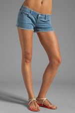 The Daisy Short in Isla