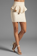 Barbizon Embossed Highwaist Peplum Mini Skirt en Crème