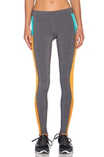 Ascedant Legging en Stormy Heather, Aqua & Flame Orange