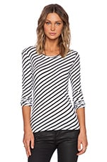 Long Sleeve Shirt in White Striped Black