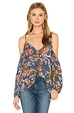 Jane Cold Shoulder Cross Over Blouse en Imprimé Bleu Floral