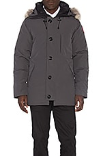 Chateau Coyote Fur Trim Parka en Graphite
