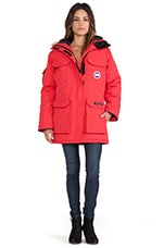 Expedition Parka with Coyote Fur Trim en Rouge