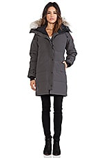 Shelburne Parka with Coyote Fur Trim en Graphite